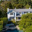 Ashton Kutcher et Mila Kunis mettent en vente leur maison de Los Angeles au prix de 14 millions de dollars.