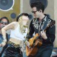 Miley Cyrus et Mark Ronson en concert au Festival de Glastonbury le 30 juin 2019.