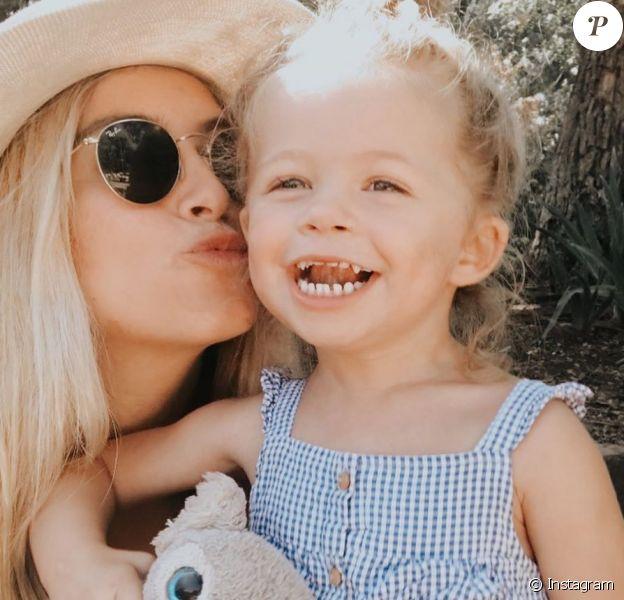 L'influenceuse Ashley Stock rend hommage à sa fille décédée le 27 mai 2020.