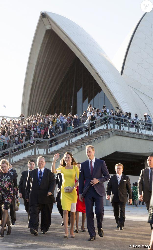 Le prince William et Catherine Kate Middleton, la duchesse de Cambridge à la sortie de l'Opéra de Sydney, le 16 avril 2014.