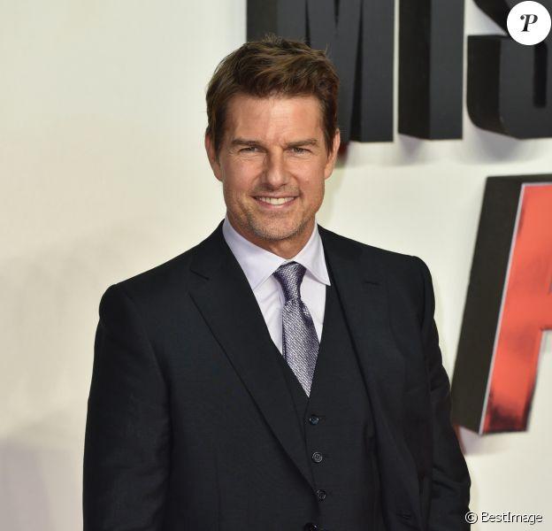 """Tom Cruise pose lors du photocall de la première du film """"Mission : Impossible - Fallout"""" à Londres le 13 juilllet 2018."""