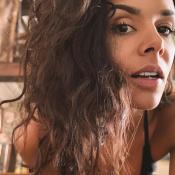 Shy'm : Selfie en débardeur échancré et sans maquillage, à la maison