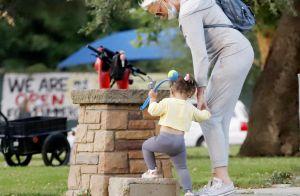 Brigitte Nielsen, 56 ans : sortie détente avec sa fille Frida, 2 ans