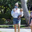 Exclusif - Amanda Kloots se promène avec son fils Elvis à Los Angeles. Le 13 mai 2020.