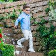 La princesse Victoria de Suède a fêté ses 43 ans dans l'intimité, crise du coronavirus oblige, le 14 juillet 2020 à la Villa Solliden, à Borgholm sur l'île d'Öland, posant avec son mari le prince Daniel et leurs enfants la princesse Estelle et le prince Oscar (en photo) dans le parc de la résidence.
