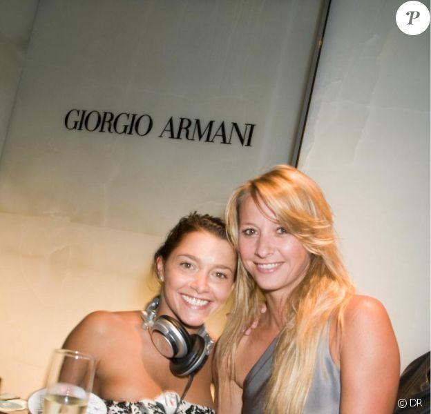 Emma de Caunes et Sarah Lavoine à la soirée Armani dans le cadre de la Nuit de la mode organisée par le magazine Vogue