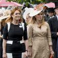 Sarah Ferguson et la princesse Beatrice d'York assistent aux courses du Royal Ascot 2017 à Londres le 23 juin 2017.