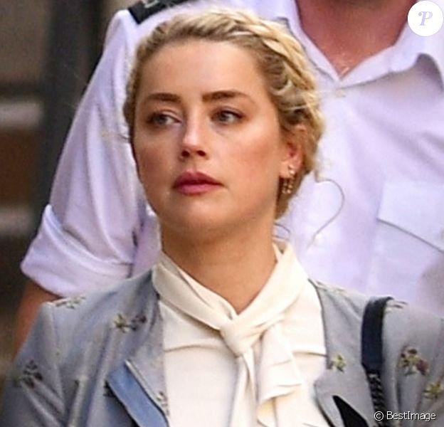 Amber Heard - J. Depp et A. Heard sortent de la cour royale de justice à Londres, pour le procès en diffamation contre le magazine The Sun Newspaper. Le 21 juillet 2020.