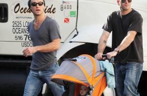 Jude Law bientôt papa, se réhabitue aux tout petits avec... le premier mari d'Angelina Jolie ! Regardez !