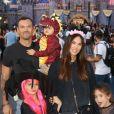 Megan Fox, Brian Austin Green et leurs trois enfants fêtent Halloween à Disneyland, le 13 octobre 2019.