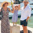 Julia Paredes avec sa fille Luna et le papa Maxime, le 18 juillet 2020, à Saint-Tropez