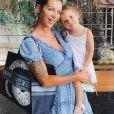 Julia Paredes lors d'une sortie avec sa fille Luna, le 9 août 2020