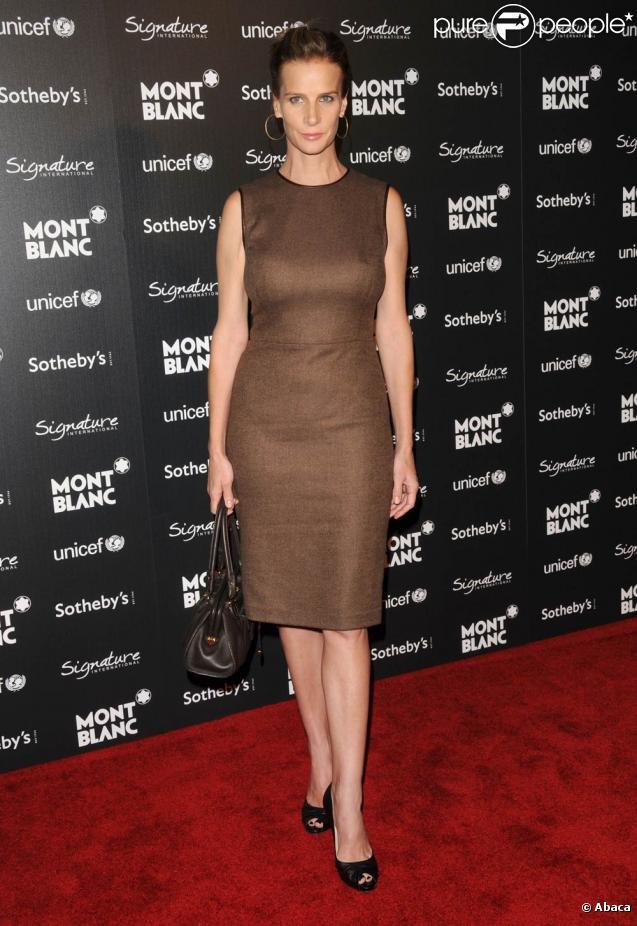 Rachel Griffiths très élégante, Katie Cassidy carrément ...