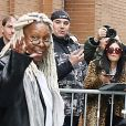 """Whoopi Goldberg quitte les studios de l'émission de la chaîne ABC, """"The View"""" à New York, le 5 février 2020."""