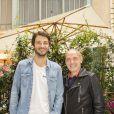 """Exclusif - Mathieu Schalk et Gilles Muzas  - People au dernier """"Déjeuner d'Eté"""" au restaurant Le Récamier à Paris, le 29 août 2020. Pour clôturer le dernier """"Déjeuner d'Eté"""" autour de son chef Gérard Idoux du restaurant le Récamier, Gilles Muzas, l'initiateur de ces agapes a réussi à réunir une fine équipe ! Malgré l'absence de L.Ducruet, fils de la Princesse S. de Monaco retenu sur le Rocher en raison d'un emploi du temps chargé, H. Vilard tout droit rentré de Haute-Savoie présenta son prochain livre, """"Du lierre dans les arbres"""", dont la sortie est prévue pour le mois de novembre aux éditions Fayard. Tandis que l'humoriste et imitateur M.Schalk évoquait la reprise de ses tournages des Minikeums diffusés tous les jours sur France 4 tout en préparant son prochain one-man-show ; Maître E.Pierrat dégusta le célèbre Soufflé au fromage avec gourmandise. Présent également E.Sauvage, directeur général du groupe Evok hôtel collection réitéra les difficultés de la profession mais non sans un certain optimisme. En effet malgré la crise, il prépare avec ses équipes dans le secret un événement exceptionnel dont il a le secret dans les prochains mois. Tandis que la directrice de la communication de l'Opéra de Paris, E. Alindret-Rodet annonça que l'institution devrait rouvrir ses portes le 19 septembre au Palais Garnier (en avant du rideau de scène) avec un programme adapté de concerts et de ballets et à partir du 23 novembre à l'Opéra Bastille. La forme olympique d'.Roumanoff interrogea les convives. Son secret durant ses vacances estivales, elle s'octroya les services d'un célèbre coach sportif de la Côte d'Azur N. Lojowski. Un emploi du temps digne d'un ministre à son actif ; son émission quotidienne d'Europe 1, la reprise de sa tournée à guichet fermé sans parler de la préparation du tournage de son prochain film l'invite à avoir une forme olympique s'exclama t'elle ! Quant à B.Montiel, de retour sur les chemins de TPMP de C.Hanouna et de son émission de RFM évoquait avec G.M"""