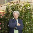 """Exclusif - Hervé Vilard  - People au dernier """"Déjeuner d'Eté"""" au restaurant Le Récamier à Paris, le 29 août 2020. Pour clôturer le dernier """"Déjeuner d'Eté"""" autour de son chef Gérard Idoux du restaurant le Récamier, Gilles Muzas, l'initiateur de ces agapes a réussi à réunir une fine équipe ! Malgré l'absence de L.Ducruet, fils de la Princesse S. de Monaco retenu sur le Rocher en raison d'un emploi du temps chargé, H. Vilard tout droit rentré de Haute-Savoie présenta son prochain livre, """"Du lierre dans les arbres"""", dont la sortie est prévue pour le mois de novembre aux éditions Fayard. Tandis que l'humoriste et imitateur M.Schalk évoquait la reprise de ses tournages des Minikeums diffusés tous les jours sur France 4 tout en préparant son prochain one-man-show ; Maître E.Pierrat dégusta le célèbre Soufflé au fromage avec gourmandise. Présent également E.Sauvage, directeur général du groupe Evok hôtel collection réitéra les difficultés de la profession mais non sans un certain optimisme. En effet malgré la crise, il prépare avec ses équipes dans le secret un événement exceptionnel dont il a le secret dans les prochains mois. Tandis que la directrice de la communication de l'Opéra de Paris, E. Alindret-Rodet annonça que l'institution devrait rouvrir ses portes le 19 septembre au Palais Garnier (en avant du rideau de scène) avec un programme adapté de concerts et de ballets et à partir du 23 novembre à l'Opéra Bastille. La forme olympique d'.Roumanoff interrogea les convives. Son secret durant ses vacances estivales, elle s'octroya les services d'un célèbre coach sportif de la Côte d'Azur N. Lojowski. Un emploi du temps digne d'un ministre à son actif ; son émission quotidienne d'Europe 1, la reprise de sa tournée à guichet fermé sans parler de la préparation du tournage de son prochain film l'invite à avoir une forme olympique s'exclama t'elle ! Quant à B.Montiel, de retour sur les chemins de TPMP de C.Hanouna et de son émission de RFM évoquait avec G.Muzas non sans avec"""