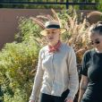 Exclusif - Amber Heard se balade avec une amie dans Elysian Park à Los Angeles pendant l'épidémie de coronavirus (Covid-19), le 1er septembre 2020.