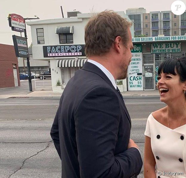 Lily Allen se marie à Las Vegas avec David Harbour devant un sosie d'Elvis.