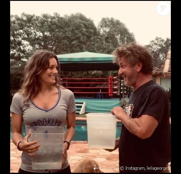 Sean Penn et sa femme Leila Gorge font le Ice Bucket Challenge sur Instagram