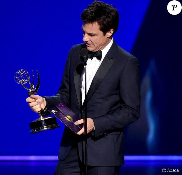 Jason Bateman aux Emmy Awards.