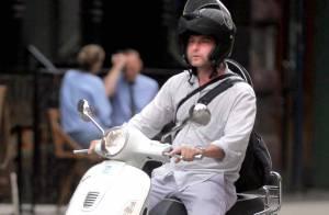 Liev Schreiber, l'amoureux de Naomi Watts, se la coule douce... dans les rues de New York !