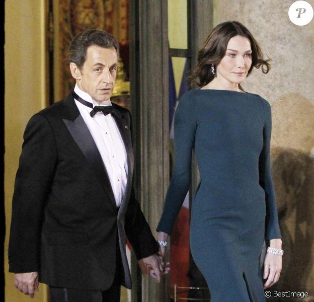 Nicolas Sarkozy et sa femme Carla Bruni-Sarkozy lors d'un dîner d'État en l'honneur du président Medvedev à l'Elysée.