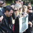 Des proches inconsolables (Sainte Geneviève des Bois, 24 septembre 2009)