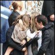 La famille réunie autour de Sasha, qui vient de perdre son papa  (Sainte Geneviève des Bois, 24 septembre 2009)