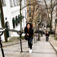 """Eléa, la fiancée d'Aubin de """"Koh-Lanta"""", souriante à Paris, le 3 mai 2020"""