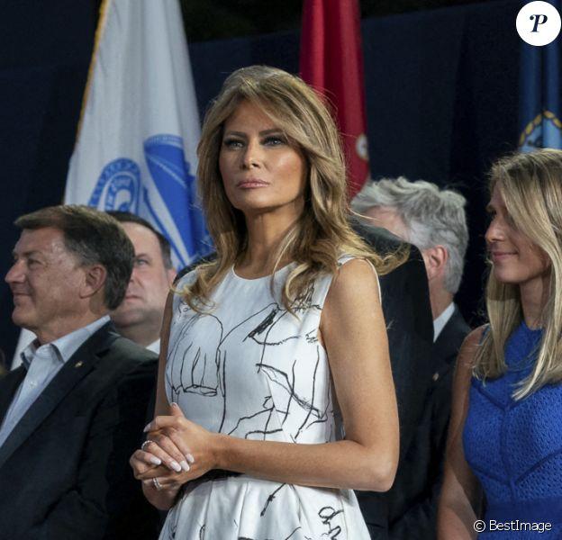 Le président américain Donald Trump et la première dame Melania Trump célèbrent la fête nationale au mont Rushmore à Keystone.