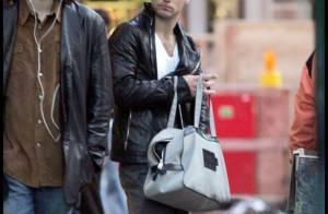 Jude Law : Le plus sexy des Anglais déclenche... des démangeaisons chez ses fans ! Et ce n'est pas une blague !
