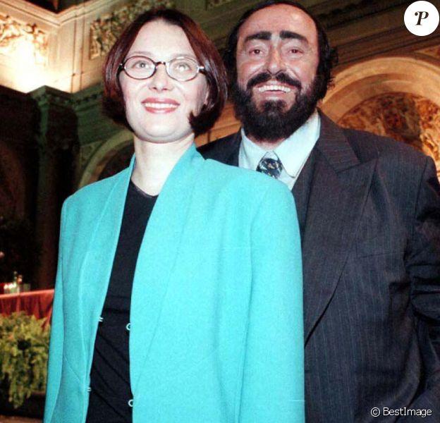 Luciano Pavarotti et son épouse Nicoletta Mantovani à Florence.