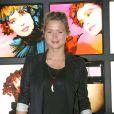 """Virginie Efira à l'exposition """"Tyen, 30 ans de création"""" au Palais de Tokyo, le 28/09/09"""