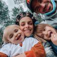 Alexia Mori et son compagnon Stéphane vont avoir un troisième enfant après les naissances de Louise et Margot. 2020.