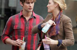 Blake Lively en plein tournage de Gossip Girl avec le beau Chace Crawford ! Tyra Banks n'est pas loin non plus...