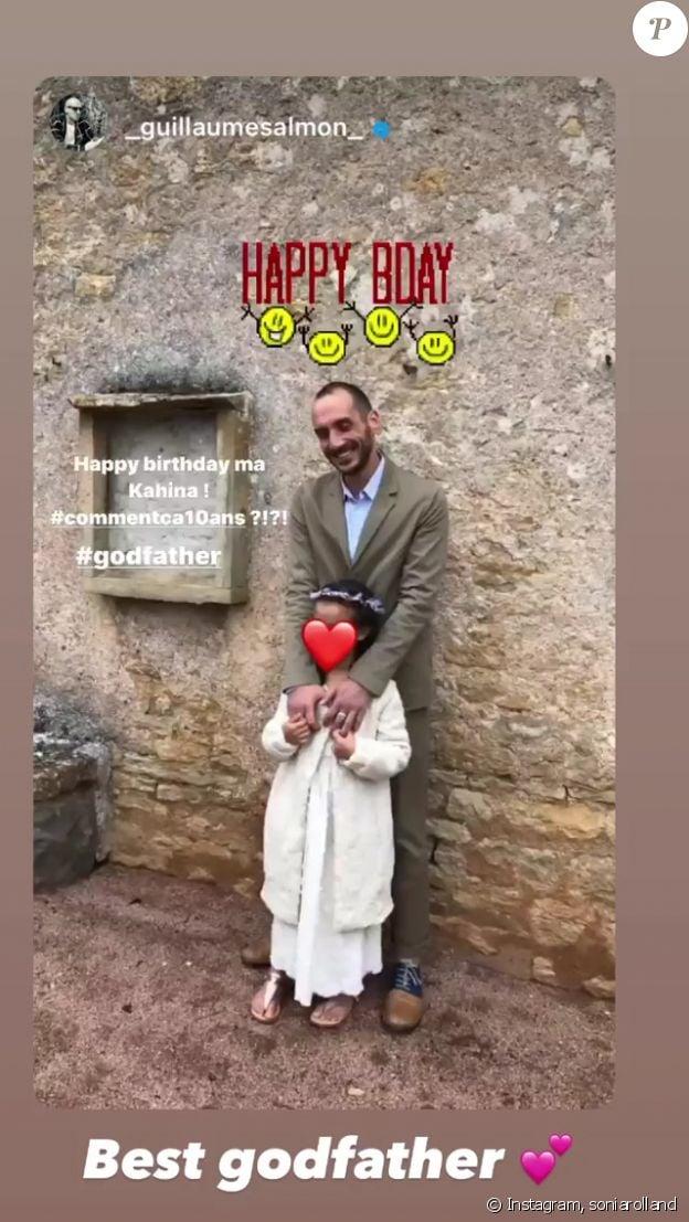 La fille de Sonia Rolland et Jalil Lespert, Kahina, avec son parrain. Sur Instagram, le 6 novembre 2020.