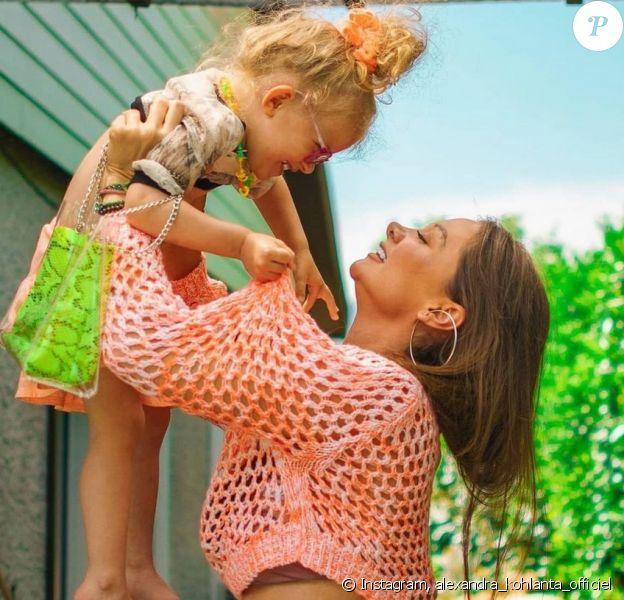 Alexandra (Koh-Lanta) avec sa fille malade sur Instagram