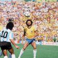 Archives - Diego Maradona lors du match Brésil vs Argentine lors de la Coupe du Monde de Football de 1982