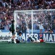 Archives - Diego Maradona lors du match Hongrie vs Argentine lors de la Coupe du Monde de Football de 1982