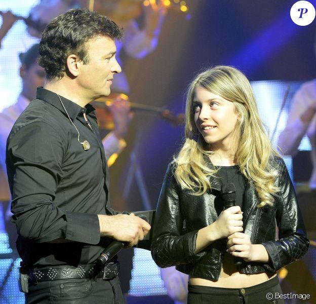 Tony Carreira et sa fille Sara - Concert exceptionnel de Tony Carreira au Palais des Sports à Paris