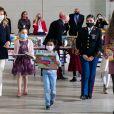 Melania Trump fait une distribution de cadeaux aux enfants des soldats américains sur la base Anacostia-Bolling à Washington le 8 décembre 2020.