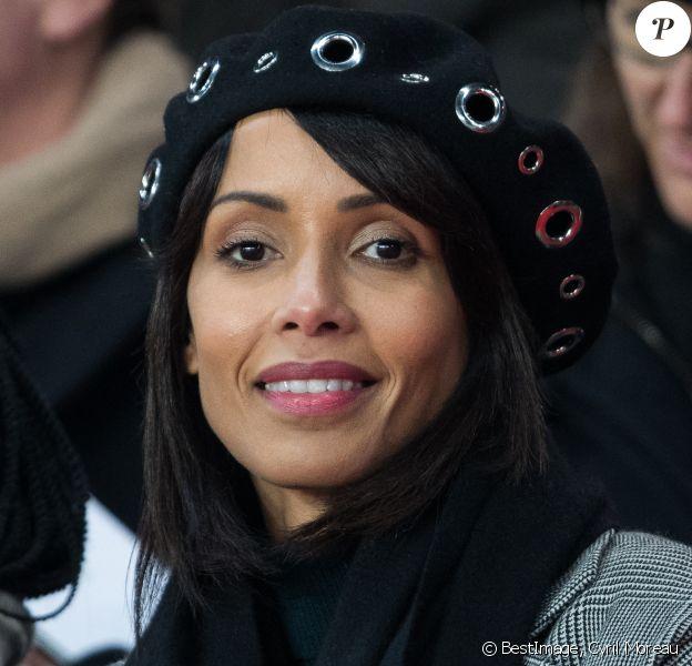 """Sonia Rolland (Miss France 2000) dans les tribunes lors du match de Ligue 1 """"PSG - Nantes (2-0)"""" au Parc des Princes. © Cyril Moreau/Bestimage"""