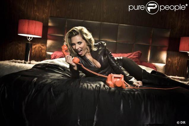 Jalane dans le clip de  Ma Folie , premier single de l'album  Jour J  à paraître le 16 novembre 2009