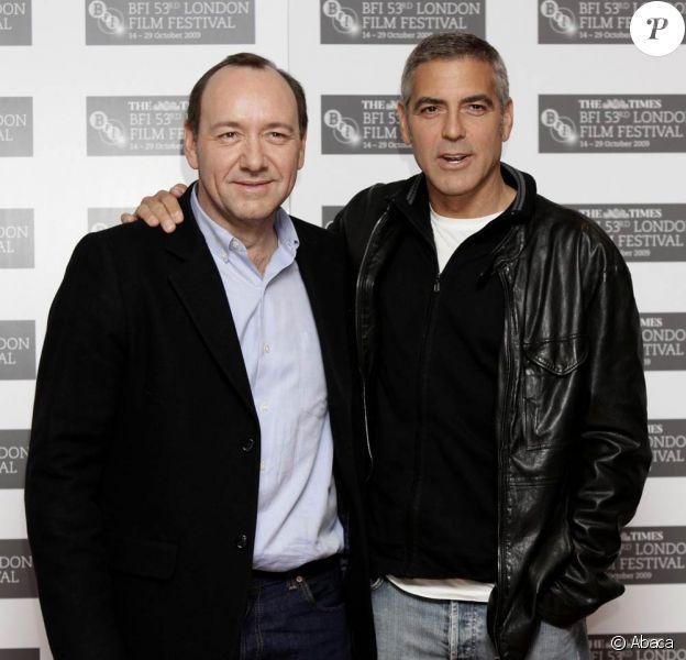 George Clooney et Kevin Spacey, à l'occasion de la présentation de The men who stare at goats, dans le cadre du BFI London Film Festival, à Londres, le 15 octobre 2009 !