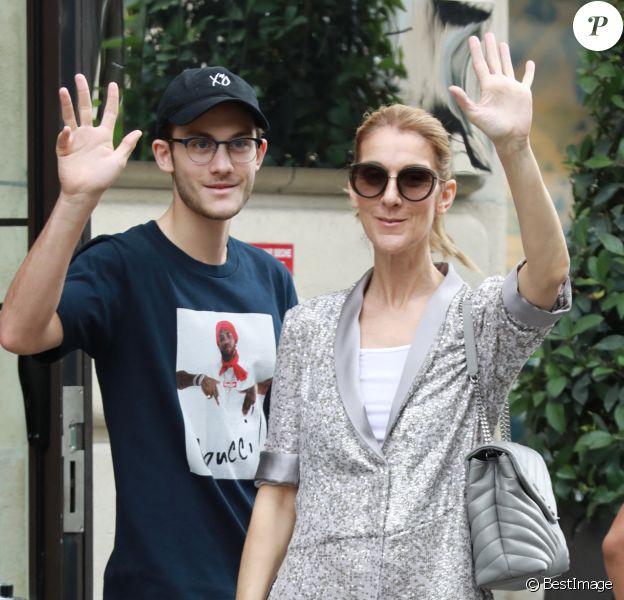 Céline Dion et son fils René-Charles quittent l'hôtel Royal Monceau et se rendent chez Louis Vuitton sur les Champs-Elysées à Paris