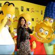 Le mannequin Brittny Gastineau entourée de tous les Simpson, à l'occasion des 20 ans de la série animée  Les Simpsons , à Santa Monica, le 18 octobre 2009 !