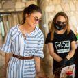 La reine Rania de Jordanie rend visite à la réserve forestière d'Ajloun et au Reef Springs Resort où elle a vu les activités touristiques proposées et les produits locaux du gouvernorat d'Ajloun le 21 juillet 2020.