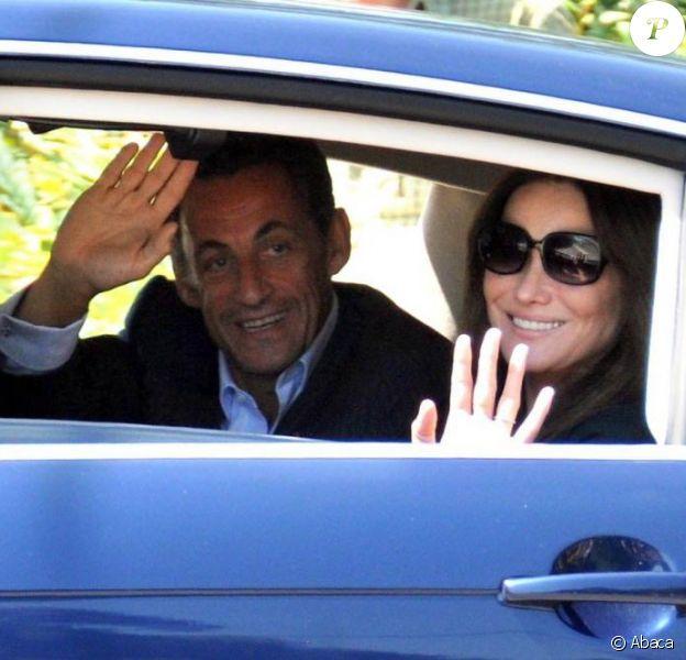Nicolas Sarkozy et Carla Bruni arrivent au Cap Nègre, en juillet 2009.