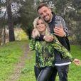 """Carla Moreau et Kevin Guedj, l'un des couple phare de l'émission de télé-réalité """" Les Marseillais"""" de W9."""