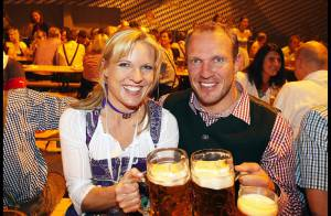 La légende vivante Hermann Maier, 36 ans, arrose sa retraite ! Sacrée descente !